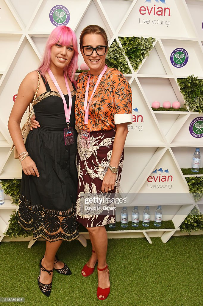 <a gi-track='captionPersonalityLinkClicked' href=/galleries/search?phrase=Amber+Le+Bon&family=editorial&specificpeople=1103030 ng-click='$event.stopPropagation()'>Amber Le Bon</a> (L) and <a gi-track='captionPersonalityLinkClicked' href=/galleries/search?phrase=Yasmin+Le+Bon&family=editorial&specificpeople=161272 ng-click='$event.stopPropagation()'>Yasmin Le Bon</a> attend the evian Live Young suite during Wimbledon 2016 at the All England Tennis and Croquet Club on June 27, 2016 in London, England.
