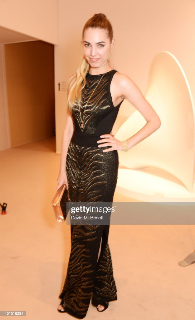 <a gi-track='captionPersonalityLinkClicked' href=/galleries/search?phrase=Amber+Le+Bon&family=editorial&specificpeople=1103030 ng-click='$event.stopPropagation()'>Amber Le Bon</a> arrives at The Masterpiece Marie Curie Party supported by Jaeger-LeCoultre and hosted by Heather Kerzner at The Royal Hospital Chelsea on June 30, 2014 in London, England.