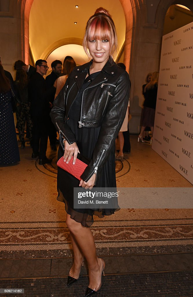 <a gi-track='captionPersonalityLinkClicked' href=/galleries/search?phrase=Amber+Le+Bon&family=editorial&specificpeople=1103030 ng-click='$event.stopPropagation()'>Amber Le Bon</a> attends a private view of 'Vogue 100: A Century of Style' hosted by Alexandra Shulman and Leon Max at the National Portrait Gallery on February 9, 2016 in London, England.