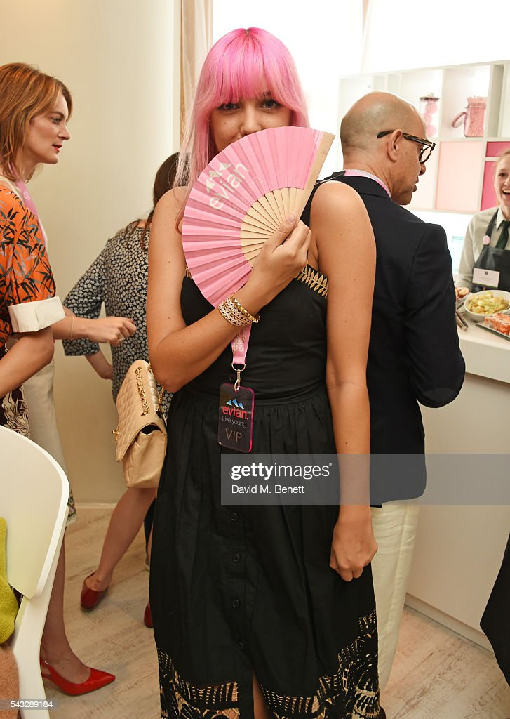 <a gi-track='captionPersonalityLinkClicked' href=/galleries/search?phrase=Amber+Le+Bon&family=editorial&specificpeople=1103030 ng-click='$event.stopPropagation()'>Amber Le Bon</a> attends the evian Live Young suite during Wimbledon 2016 at the All England Tennis and Croquet Club on June 27, 2016 in London, England.