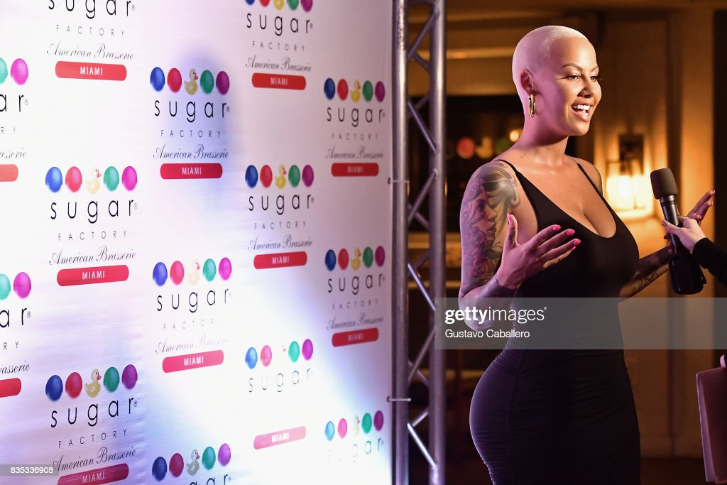 Amber Rose attends End Of Summer Party at Sugar Factory American Brasserie on August 18, 2017 in Miami, Florida.