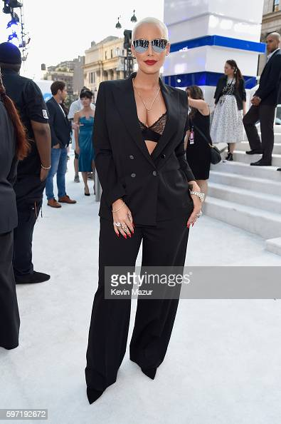 amber-rose-attends-the-2016-mtv-video-music-awards-at-madison-square-picture-id597192672