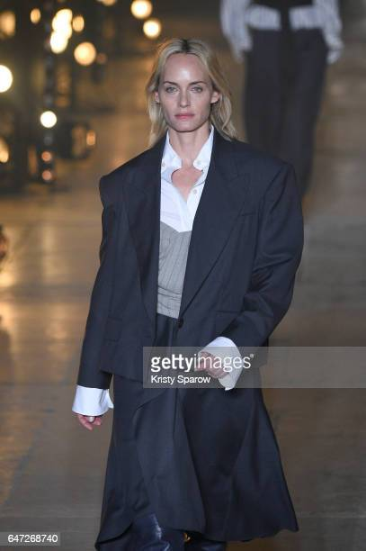 Amber Valetta walks the runway during the Isabel Marant show as part of Paris Fashion Week Womenswear Fall/Winter 2017/2018 on March 2 2017 in Paris...