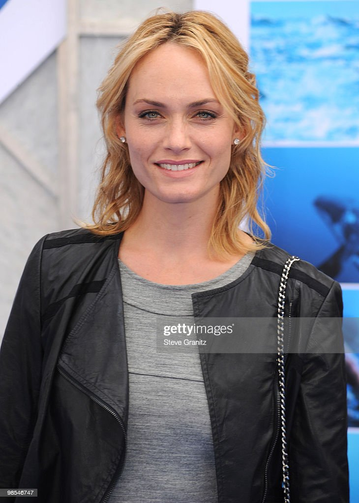 Amber Valletta attends the 'Oceans' Los Angeles Blue Carpet Premiere at the El Capitan Theatre on April 17, 2010 in Hollywood, California.