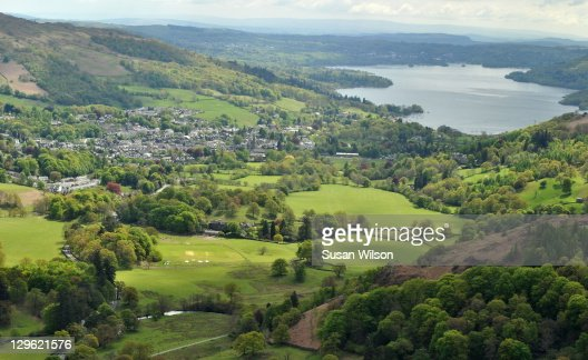 Ambleside & Windermere from Nab Scar : Foto de stock