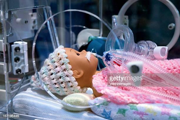 Visualização de ambulância de emergência lactentes prematuros Manequin respiratória