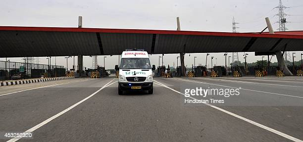 Ambulance runs on NH8 during a trial run of green corridor to transport an organ from the IGI airport to Fortis Memorial Research Institute on August...