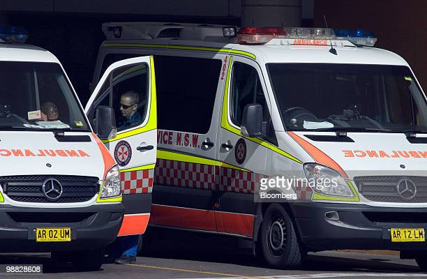 Ambulances are parked outside a hospital in Sydney Australia on Tuesday May 4 2010 The Australian budget will be presented on May 11 Photographer...