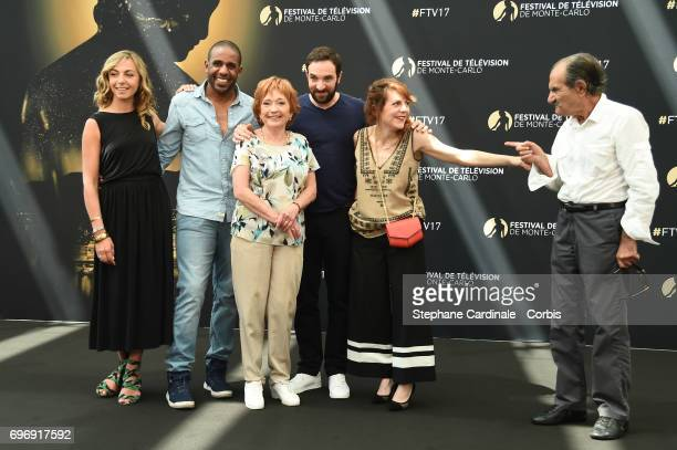 Amelie Etasse LoupDenis Elion Marion Game David Mora AnneElisabeth Blateau and Gerard Hernandez from 'Scenes de Menages' pose for a Photocall during...