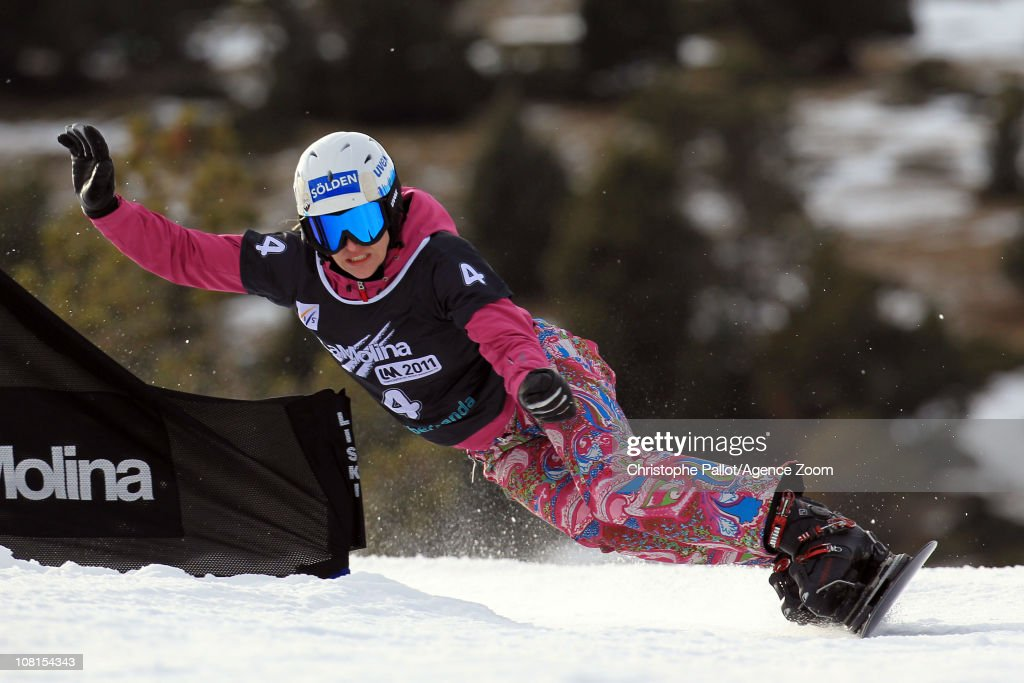 <a gi-track='captionPersonalityLinkClicked' href=/galleries/search?phrase=Amelie+Kober&family=editorial&specificpeople=869316 ng-click='$event.stopPropagation()'>Amelie Kober</a> of Germany in action during the FIS Snowboard World Championships Men's and Women's Parallel Giant Slalom on January 19, 2011 in La Molina, Spain.