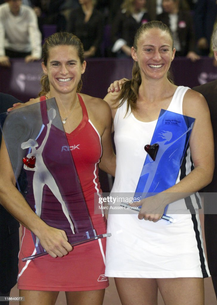 Gaz de France Open - Final Round - Amelie Mauresmo vs Mary Pierce