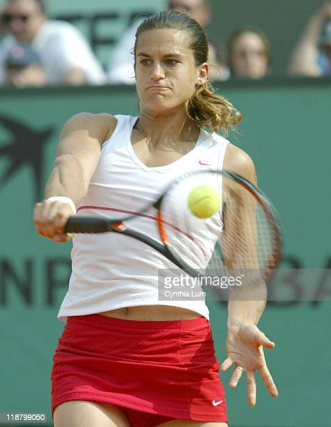 Amelie Mauresmo in action at the 2004 Roland Garros Amelie Mauresmo moves ahead at Roland Garros with a 63 62 win over Arantxa Parra Santonja