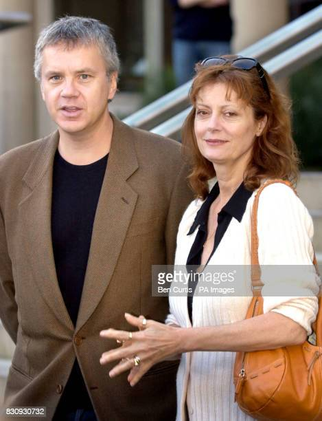 American acting couple Tim Robbins and Susan Sarandon appear for a photocall in Edinburgh regarding their new play 'The Guys' currently running at...