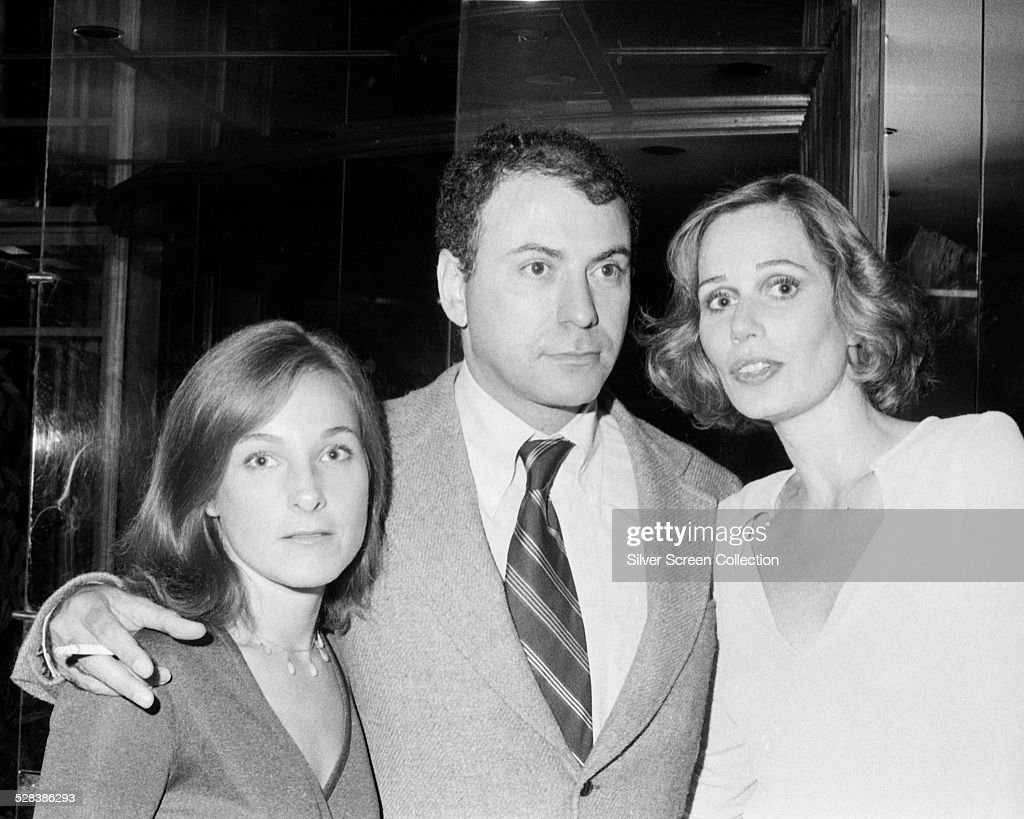 American actor Alan Arkin with his wife actress Barbara Dana and actress Sally Kellerman circa 1975