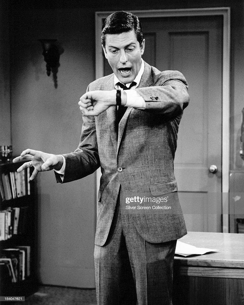 American actor and comedian Dick Van Dyke as Rob Petrie in the American sitcom 'The Dick Van Dyke Show' circa 1963