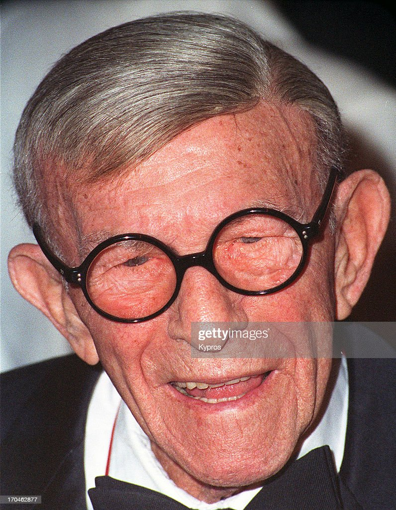American actor and comedian <a gi-track='captionPersonalityLinkClicked' href=/galleries/search?phrase=George+Burns+-+Actor&family=editorial&specificpeople=90939 ng-click='$event.stopPropagation()'>George Burns</a> (1896 - 1996), circa 1993.