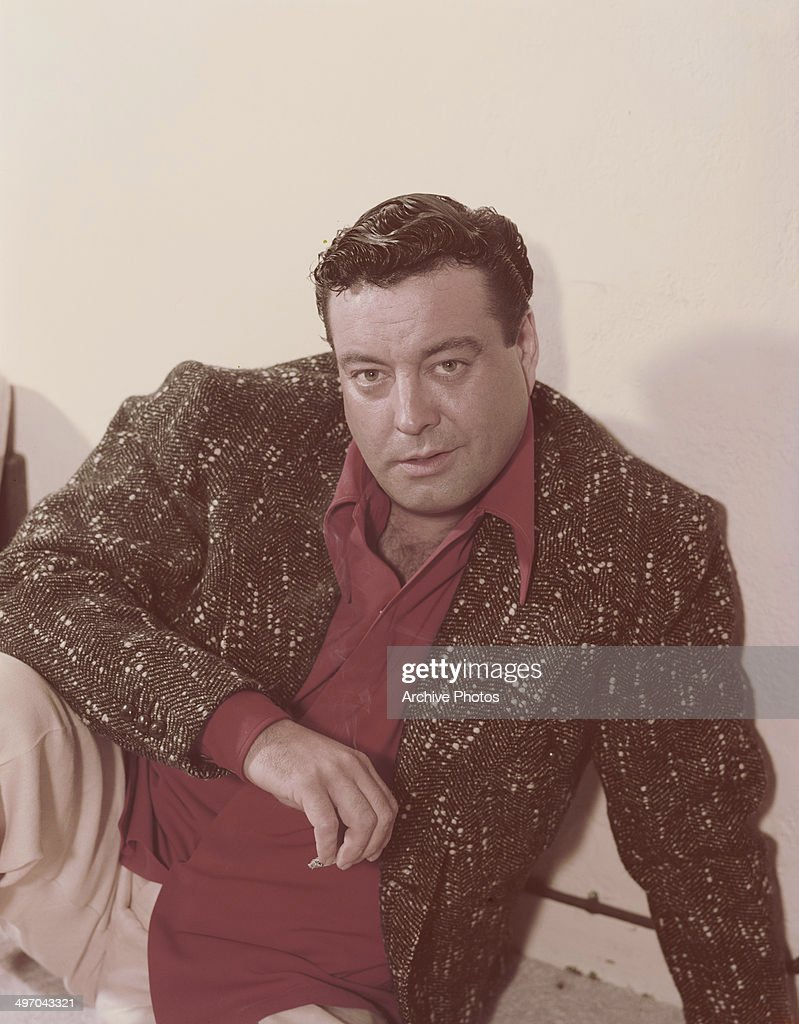 American actor and comedian <a gi-track='captionPersonalityLinkClicked' href=/galleries/search?phrase=Jackie+Gleason&family=editorial&specificpeople=203285 ng-click='$event.stopPropagation()'>Jackie Gleason</a> (1916 - 1987), circa 1955.