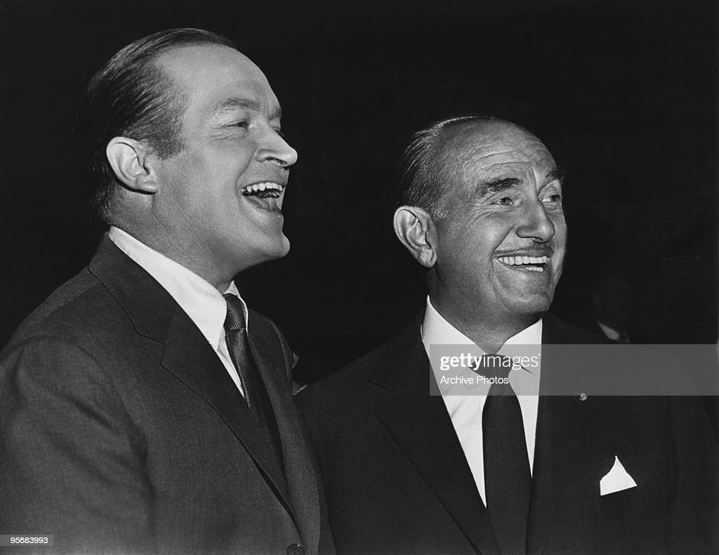 American actor <a gi-track='captionPersonalityLinkClicked' href=/galleries/search?phrase=Bob+Hope+-+Comedian&family=editorial&specificpeople=70010 ng-click='$event.stopPropagation()'>Bob Hope</a> (1903 - 2003, left) with film producer Jack Warner (1892 - 1978) on the set of 'Critic's Choice', directed by Don Weis, 1963.