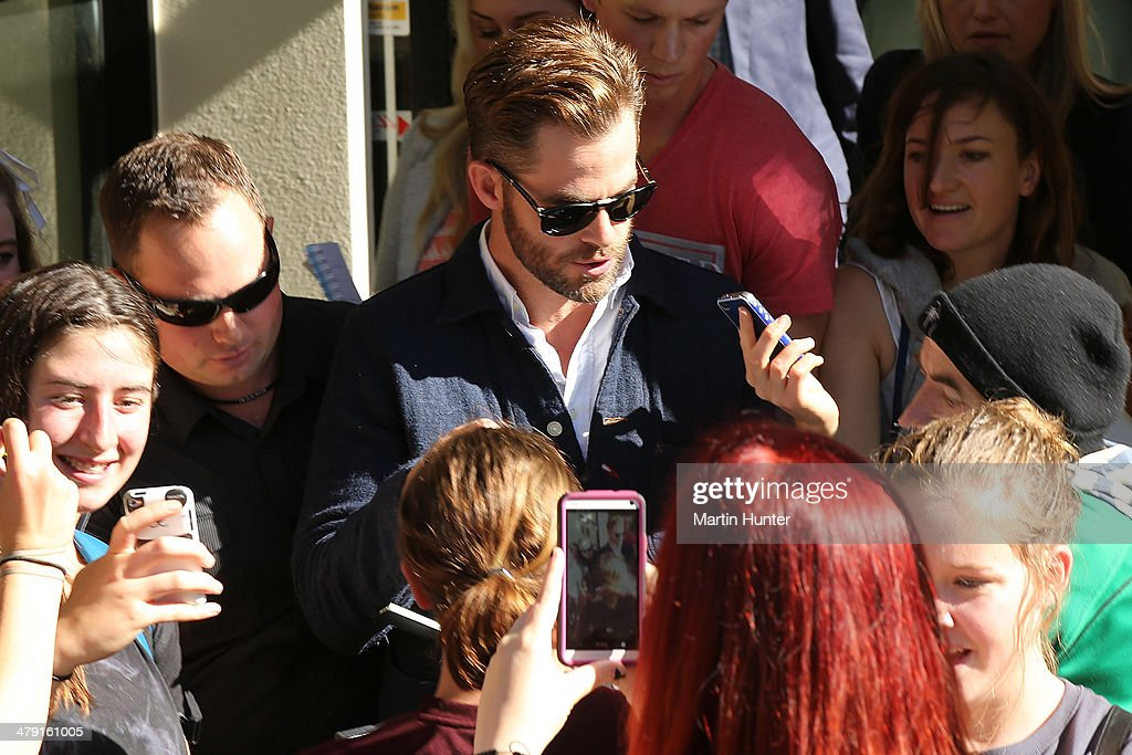 American actor Chris Pine (C) leaves the Ashburton District Court on March 17, 2014 in Christchurch, New Zealand. Police say the actor was stopped at a routine drink driving check in Metheven early in March this year.