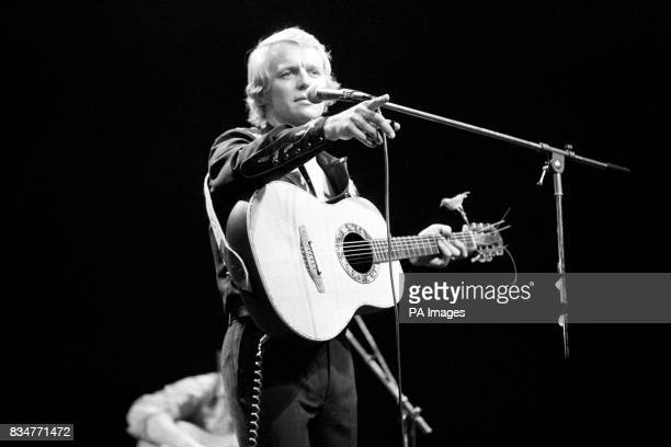 American actor David Soul who plays the tough cop 'Hutch' in television's top series 'Starsky and Hutch' on stage at the Rainbow Theatre in Finsbury...