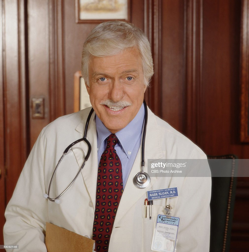 American actor Dick Van Dyke poses in character as Dr Mark Sloan in this publictiy portrait for the CBS crime drama 'Diagnosis Murder' 2000 The...