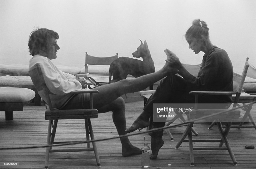 American actor Dustin Hoffman with his first wife, Anne Byrne Hoffman, in Los Angeles, circa 1975.