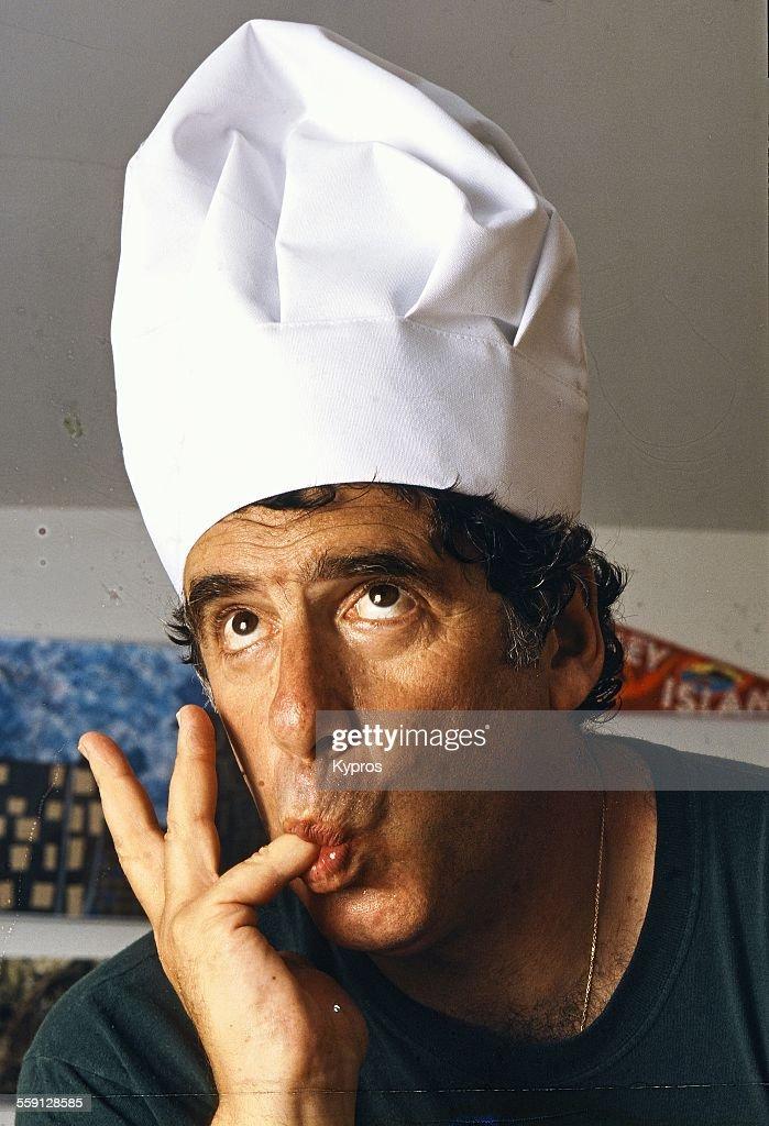 American actor Elliott Gould wearing a chef's hat circa 1990