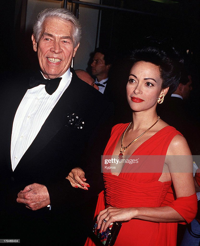 American actor <a gi-track='captionPersonalityLinkClicked' href=/galleries/search?phrase=James+Coburn&family=editorial&specificpeople=221456 ng-click='$event.stopPropagation()'>James Coburn</a> (1928 - 2002) with his partner Paula Murad, circa 1993.
