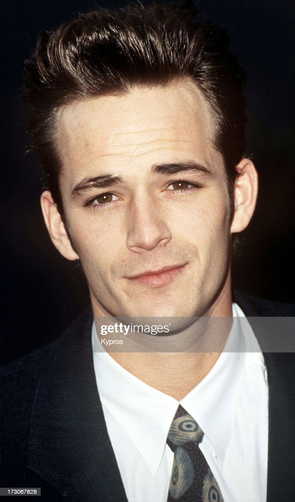 American actor <a gi-track='captionPersonalityLinkClicked' href=/galleries/search?phrase=Luke+Perry&family=editorial&specificpeople=171633 ng-click='$event.stopPropagation()'>Luke Perry</a>, circa 1992.