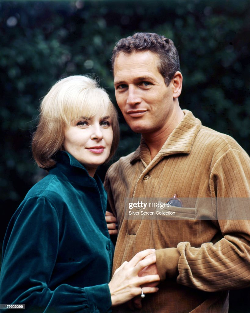 American actor Paul Newman (1925 - 2008) with his wife, American actress <a gi-track='captionPersonalityLinkClicked' href=/galleries/search?phrase=Joanne+Woodward&family=editorial&specificpeople=211476 ng-click='$event.stopPropagation()'>Joanne Woodward</a>, circa 1965.