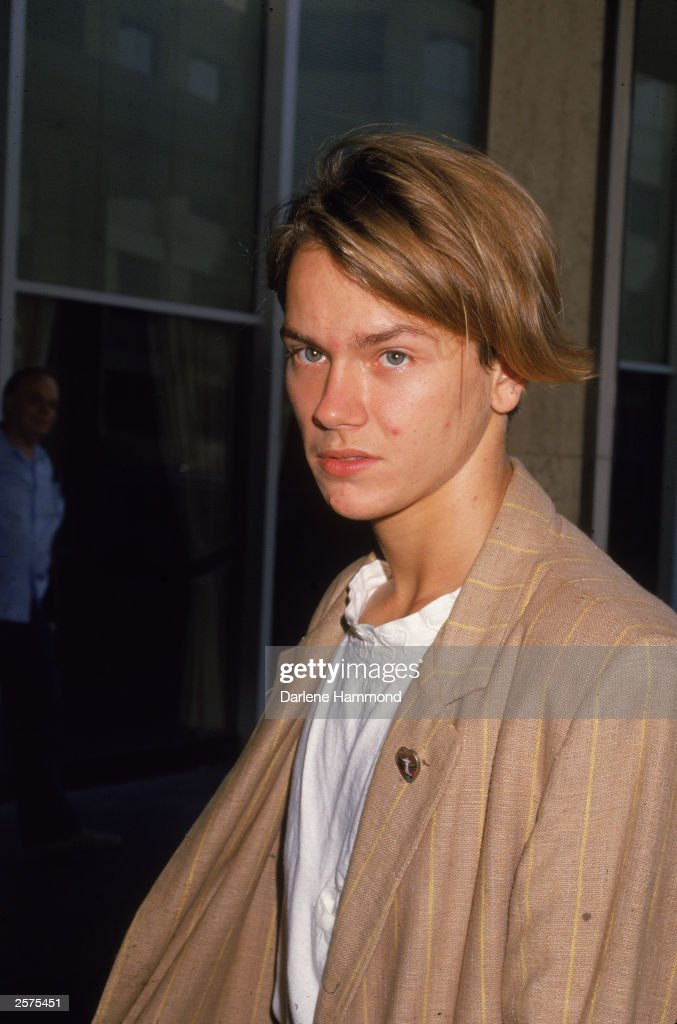 American actor <a gi-track='captionPersonalityLinkClicked' href=/galleries/search?phrase=River+Phoenix&family=editorial&specificpeople=235363 ng-click='$event.stopPropagation()'>River Phoenix</a> (1970 - 1993) at press conference, September 23, 1988.