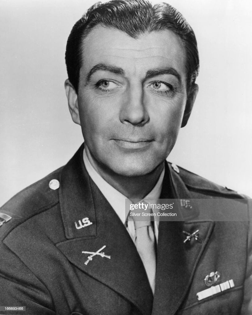 American actor <a gi-track='captionPersonalityLinkClicked' href=/galleries/search?phrase=Robert+Taylor+-+American+Actor&family=editorial&specificpeople=5411922 ng-click='$event.stopPropagation()'>Robert Taylor</a> (1911 - 1969) in US military uniform, circa 1944.