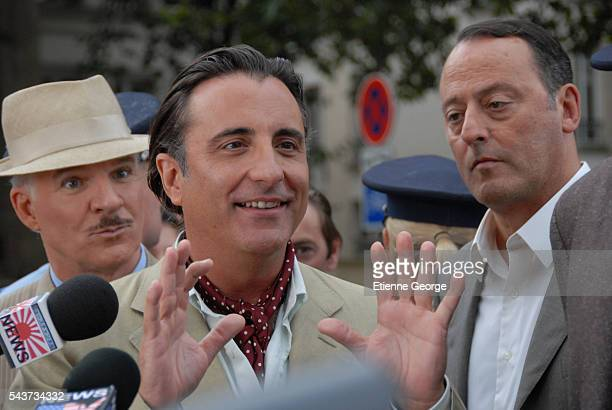 American actor Steve Martin CubanAmerican Andy Garcia and French actor Jean Reno on the set of The Pink Panther 2 directed by Norwegian Harald Zwart