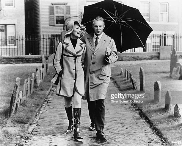 American actor Steve McQueen as Thomas Crown and Faye Dunaway as Vicki Anderson in the film 'The Thomas Crown Affair' 1968