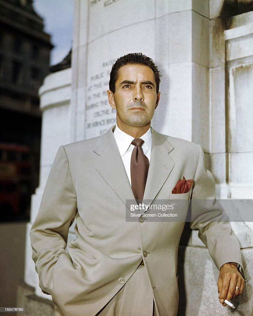 American actor <a gi-track='captionPersonalityLinkClicked' href=/galleries/search?phrase=Tyrone+Power&family=editorial&specificpeople=94168 ng-click='$event.stopPropagation()'>Tyrone Power</a> (1914 - 1958), circa 1945.