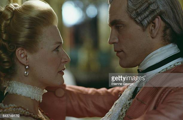 American actors Glenn Close and John Malkovich on the set of the film 'Dangerous Liaisons' directed by English director Stephen Frears and based on...