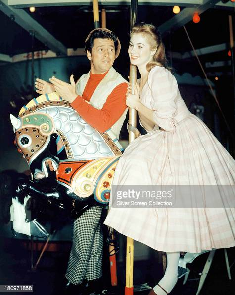 American actors Gordon MacRae as Billy Bigelow and Shirley Jones as Julie Jordan in a promotional portrait for 'Carousel' directed by Henry King 1956