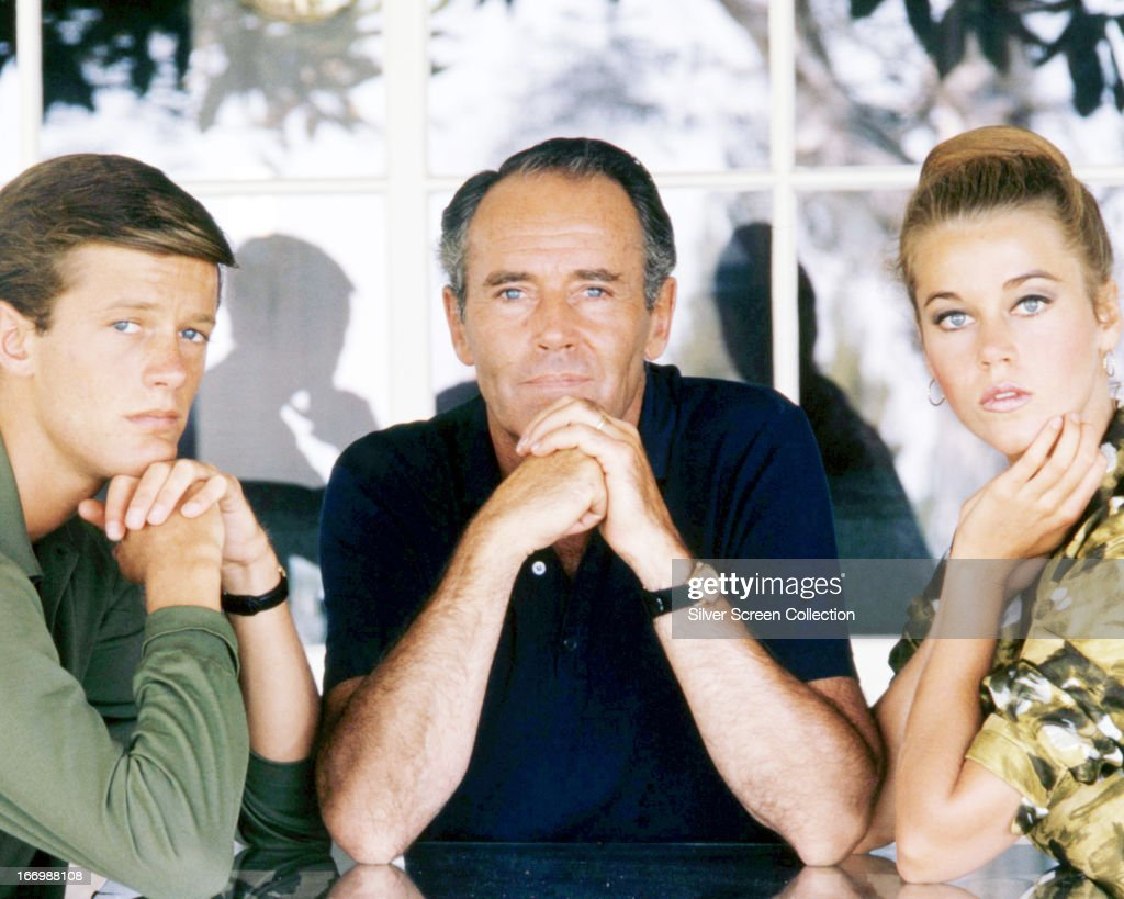 American actors <a gi-track='captionPersonalityLinkClicked' href=/galleries/search?phrase=Henry+Fonda&family=editorial&specificpeople=93512 ng-click='$event.stopPropagation()'>Henry Fonda</a> (1905 - 1982, centre), his son <a gi-track='captionPersonalityLinkClicked' href=/galleries/search?phrase=Peter+Fonda&family=editorial&specificpeople=213498 ng-click='$event.stopPropagation()'>Peter Fonda</a> and daughter <a gi-track='captionPersonalityLinkClicked' href=/galleries/search?phrase=Jane+Fonda&family=editorial&specificpeople=202174 ng-click='$event.stopPropagation()'>Jane Fonda</a>, circa 1963.