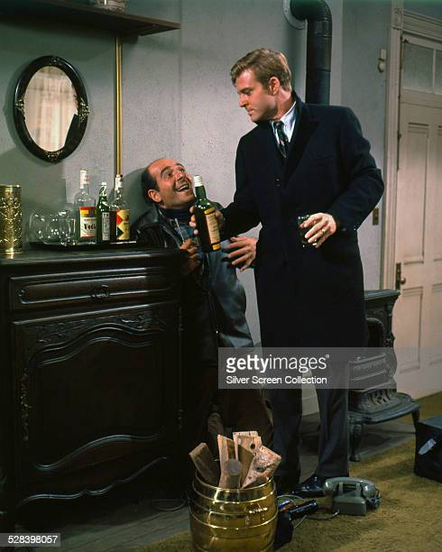 American actors Herb Edelman as Harry Pepper and Robert Redford as Paul Bratter in 'Barefoot In The Park' directed by Gene Saks 1967