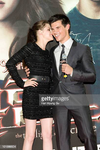 American actors Kristen Stewart and Taylor Lautner participate for the upcoming release of the 'Twilight Saga Eclipse' Red Capet Fan Meeting at Mega...