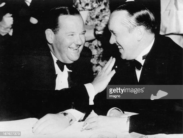 American actors Oliver Hardy and Stanley Laurel Photograph About 1930 Die amerikanischen Schauspieler Oliver Hardy und Stanley Laurel Photographie Um...