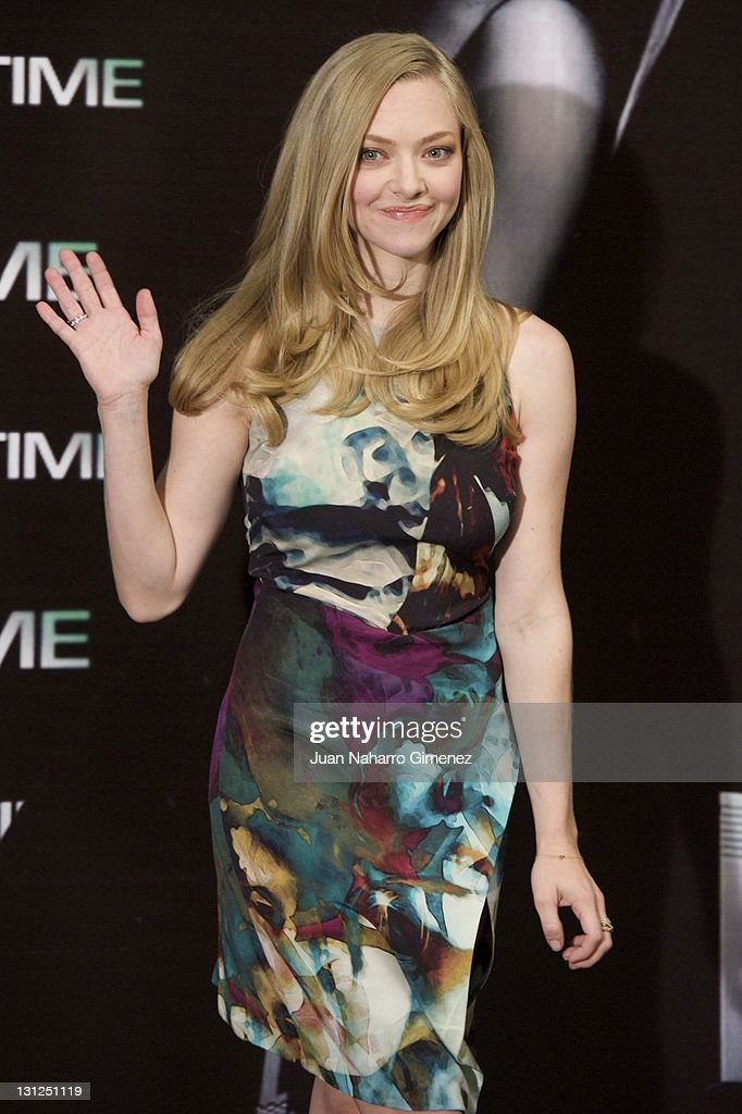 American actress <a gi-track='captionPersonalityLinkClicked' href=/galleries/search?phrase=Amanda+Seyfried&family=editorial&specificpeople=216619 ng-click='$event.stopPropagation()'>Amanda Seyfried</a> attends 'In Time' photocall at Villa Magna Hotel on November 3, 2011 in Madrid, Spain.