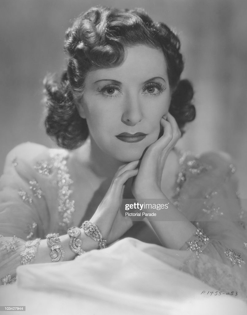 American actress and comedien Gracie Allen poses in 1939