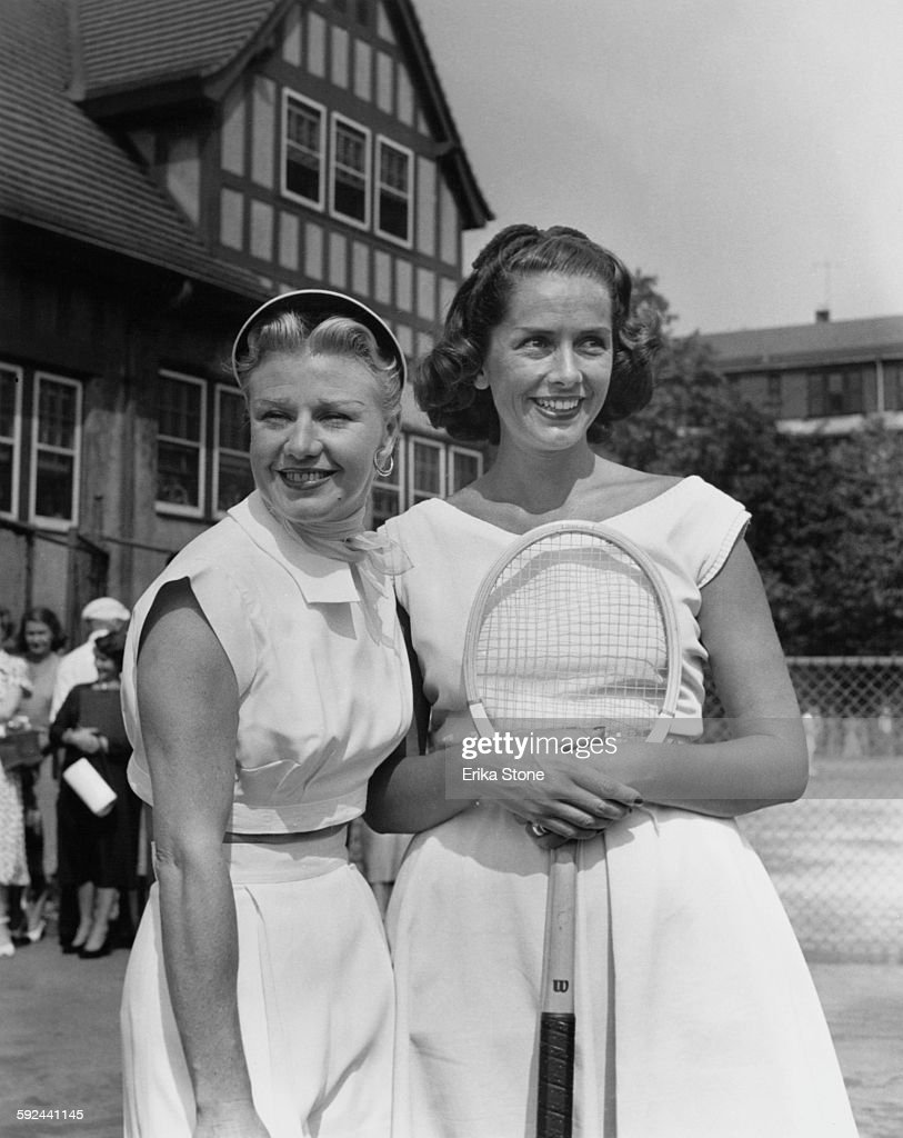 American actress and dancer <a gi-track='captionPersonalityLinkClicked' href=/galleries/search?phrase=Ginger+Rogers&family=editorial&specificpeople=93466 ng-click='$event.stopPropagation()'>Ginger Rogers</a> (1911 - 1995, left) with actress, swimmer and tennis star Jinx Falkenberg (1919 - 2003) in Forest Hills, USA, circa 1950.