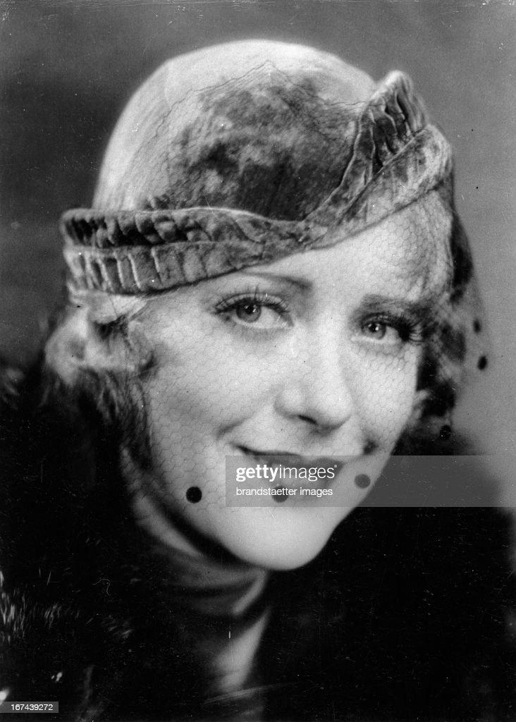 American actress and novelist Ruth Chatterton. About 1930. Photograph. (Photo by Imagno/Getty Images) Die amerikanische Schauspielerin und Schriftstellerin Ruth Chatterton. Um 1930. Photographie.