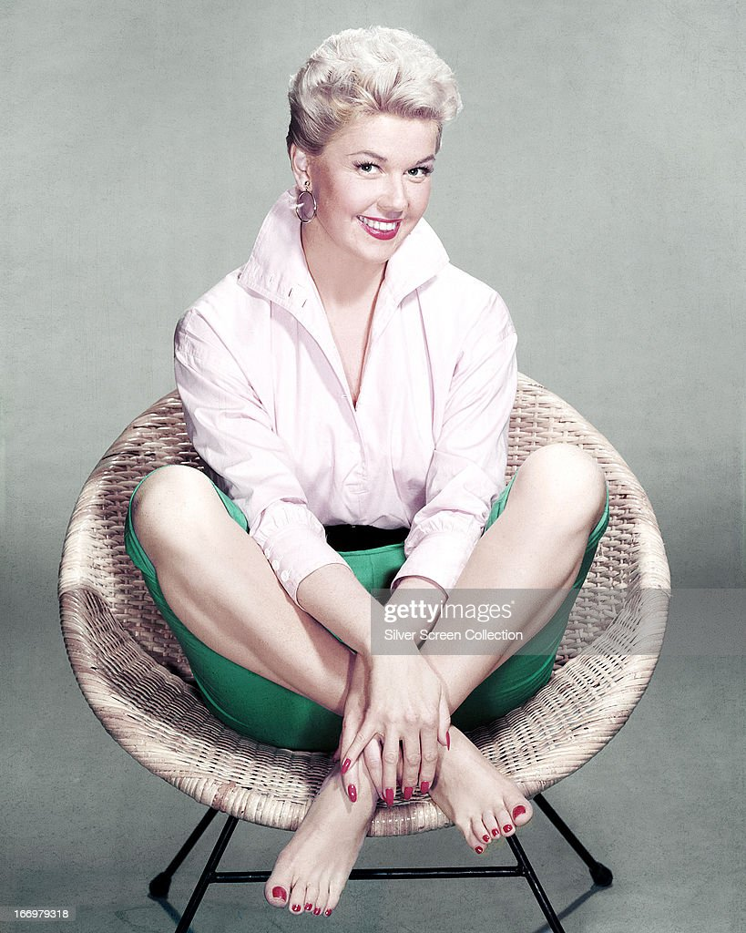 Doris Day With The Mellomen - Two Hearts Two Kisses