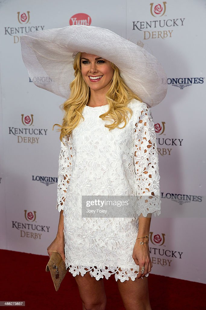 American actress and singer <a gi-track='captionPersonalityLinkClicked' href=/galleries/search?phrase=Laura+Bell+Bundy&family=editorial&specificpeople=666348 ng-click='$event.stopPropagation()'>Laura Bell Bundy</a> attends the 140th Kentucky Derby at Churchill Downs on May 3, 2014 in Louisville, Kentucky.