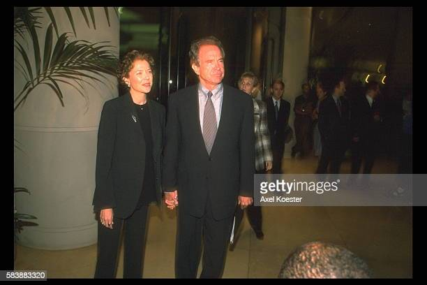 American actress Annette Bening with husband actor producer screenwriter and director Warren Beatty attend the Eleanor Roosevelt Award for Human...