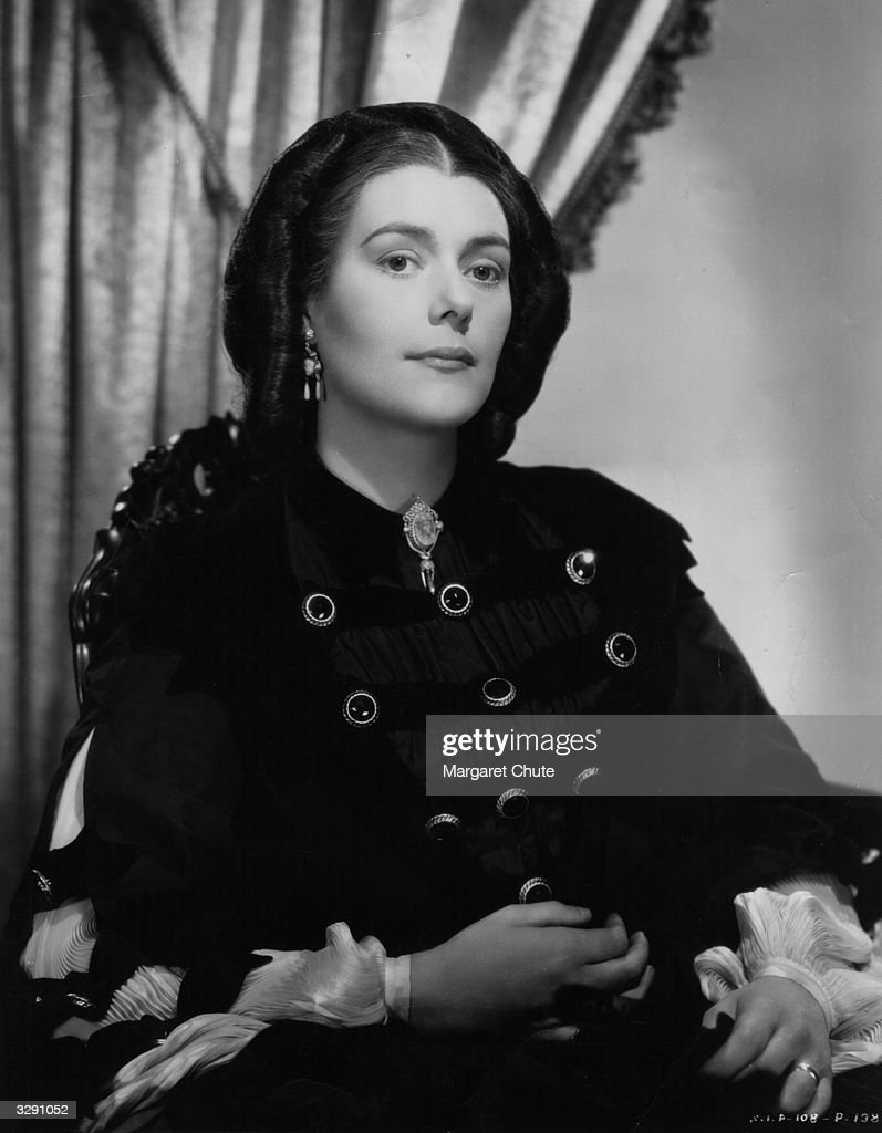 American actress Barbara O'Neil plays Scarlett O'Hara's mother in the famous epic 'Gone With The Wind' directed by Victor Fleming for MGM