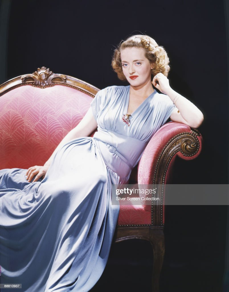 American actress <a gi-track='captionPersonalityLinkClicked' href=/galleries/search?phrase=Bette+Davis+-+Actress&family=editorial&specificpeople=93133 ng-click='$event.stopPropagation()'>Bette Davis</a> (1908 - 1989), circa 1940.